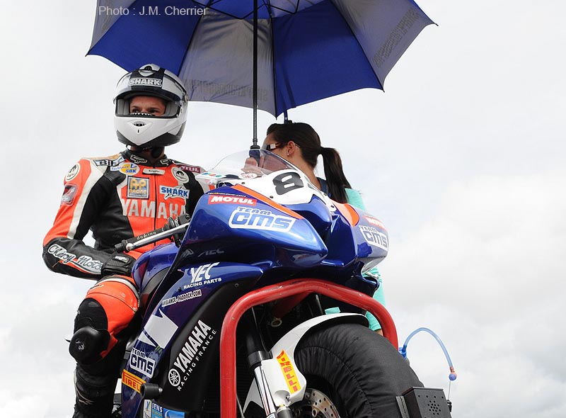 En 2012, Axel Maurin vise la plus haute marche du podium supersport
