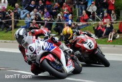Michael Dunlop en leader incontesté en superbike