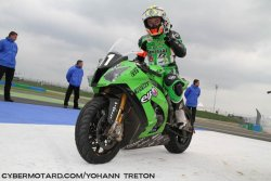 Le team Kawasaki SRC grand vainqueur du Bol d' Or 2012.