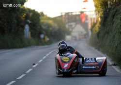 Side Car : Molyneux/Farrance frappent fort